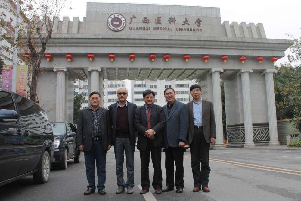 寻访团冯振博、丁华野、丁彦青、步宏、周晓军教授