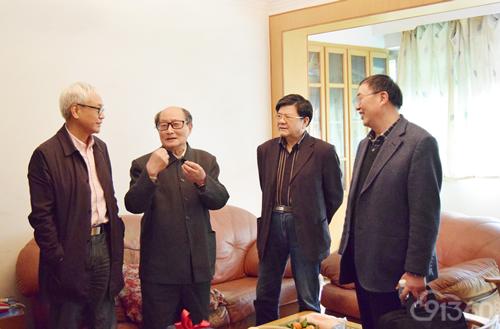 寻访团专家探望杭振镳教授(左起:丁华野教授、杭振镳教授、丁彦青教授、步宏教授)